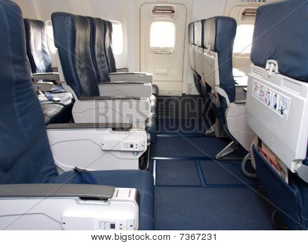 Airliner seats