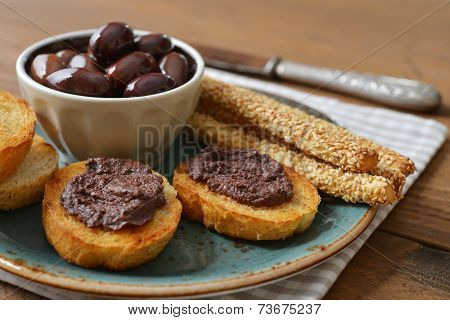 Bread With Olive Pate