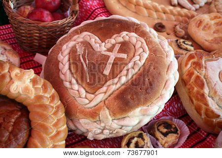 ZAGREB, CROATIA - OCTOBER 12: Bread, All-Croatian Folklore Bread Day - a day thanksgiving for fruits of the land was held in Zagreb, on October 12, 2014.