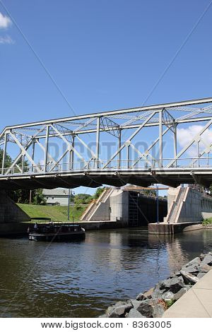 Entering the Erie Canal