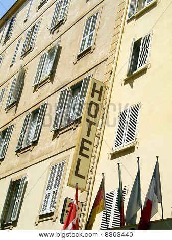 A arquitectura típica do Hotel Ajaccio Córsega França
