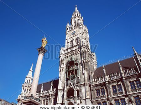 New city hall of Munich and Mariensaeule