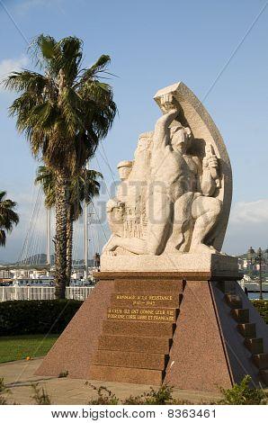 Standbeeld hommage aan de weerstand Ajaccio Corsica Frankrijk