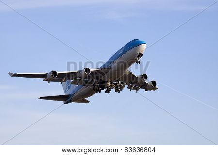 Boeing 747 just take off