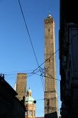 image of tram  - tower called DEGLI ASINELLI in Bologna - JPG