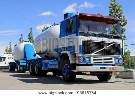 Classic Volvo F1225 Tank Truck For Bulk Transport On Display