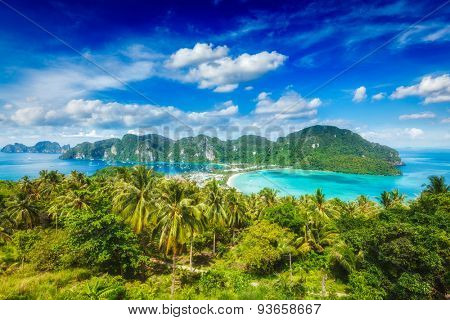 Tropical island with resorts wallpaper - Phi-Phi island, Krabi Province, Thailand