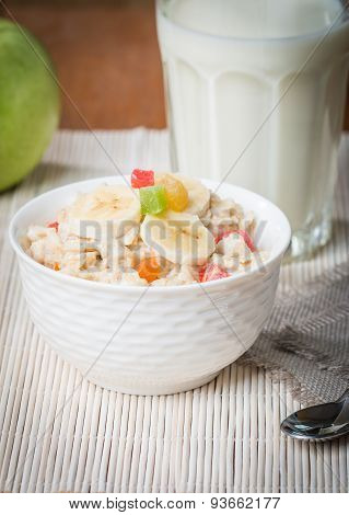 Oatmeal With Candied Fruils And Milk