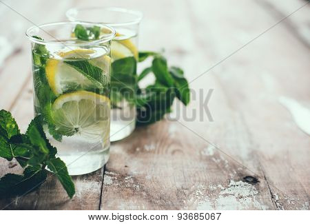 refreshing summer detox drink