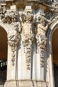 image of pilaster  - Close - JPG