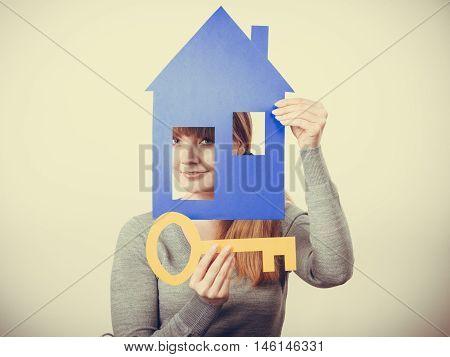 Enjoyable Estate Agent With House Ang Key.