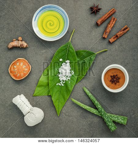 Avocados Leaves With Nature Spa Ingredients Turmeric,herbal Compress Ball,dried Indian Bael ,cinnamo