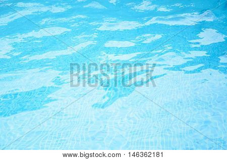 Patterns of movement of water in the pool