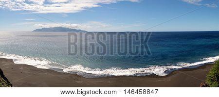 White Foamy Waves Romance The Black Sand Beach