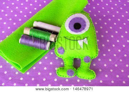 Green felt monster, green felt sheet, thread set. How to make monster handmade toy