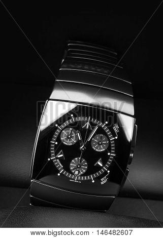 Black Watch Made Of High-tech Ceramics