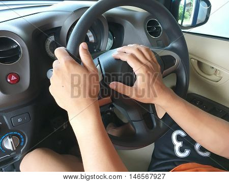 drive car and press horn by hand