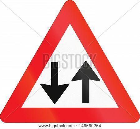 Warning Road Sign Used In Denmark - Opposing Traffic