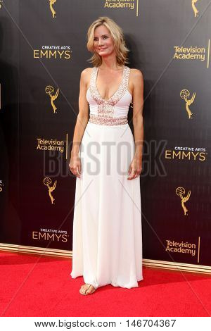 LOS ANGELES - SEP 10:  Beth Littleford at the 2016 Creative Arts Emmy Awards - Day 1 - Arrivals at the Microsoft Theater on September 10, 2016 in Los Angeles, CA