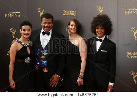 LOS ANGELES - SEP 11:  Miranda Tyson, Neil deGrasse Tyson, Alice Tyson, Travis Tyson at the 2016 Primetime Creative Emmy Awards  at the Microsoft Theater on September 11, 2016 in Los Angeles, CA