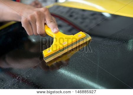 Windshield protection film installation series : Installing protection film