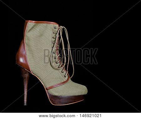 Fashionable Lace Up Boot