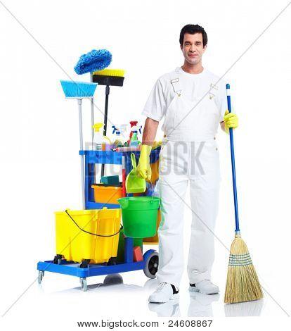 Sauberer Mann mit Hausmeister Wagen. Isoliert auf weißem Hintergrund...