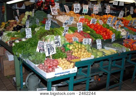 Outdoor Fruit Market 4