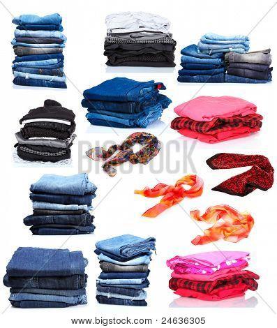 collage de los montones de ropa y pañuelos de la mujer. aislado en blanco