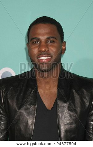 LOS ANGELES - OCT 26: Jason Derulo arriving at the 2011 Nickelodeon TeenNick HALO Awards at Hollywood Palladium on October 26, 2011 in Los Angeles, CA