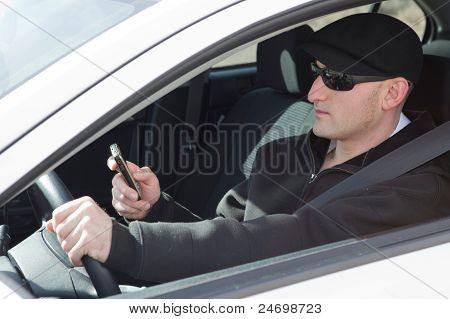 SMS und fahren