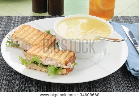 Grilled Tuna Sandwich With Soup
