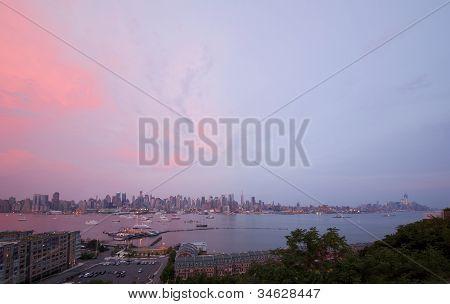 La vista panorámica de la isla de Manhattan completa