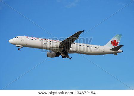 Air Canada Passenger Jet