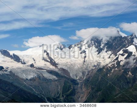 Glaciers Above Saas-Fee