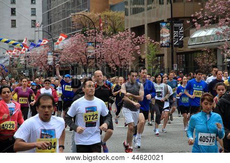 Energetic Racers At The 2013 Vancouver Sun Run