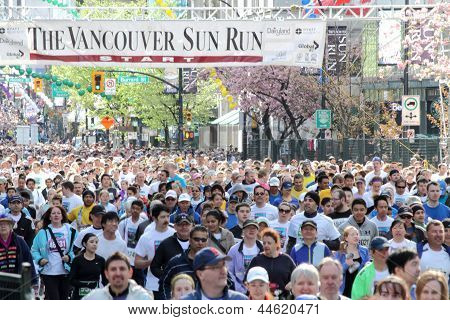 Vancouver Sun Run Mass Startline