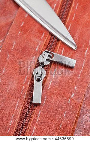 Tailor Shears And Zip Runners
