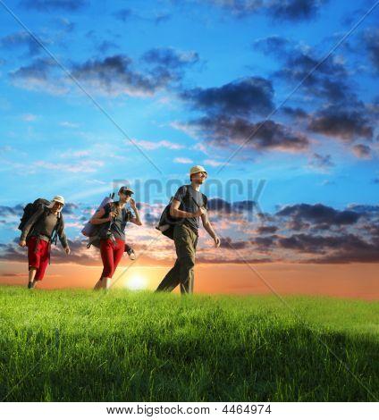 Wandern Sie auf Sonnenuntergang