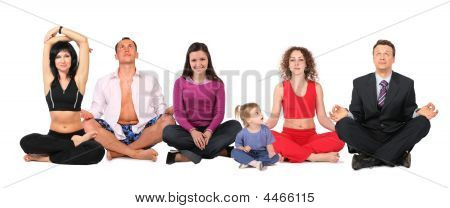 Grupo de personas de yoga con Collage de niño