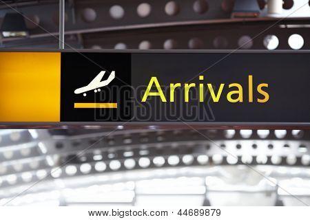 Sinal de hall de chegada no Aeroporto