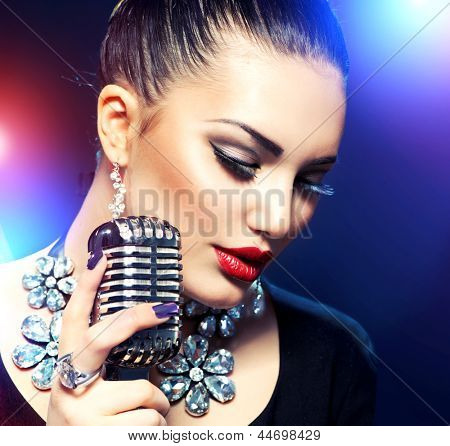 Singing Woman with Retro Microphone. Beauty Glamour Singer Girl. Vintage Style. Song. Karaoke