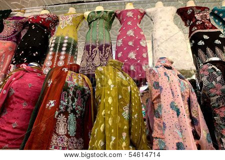 Pakistan ladies wear