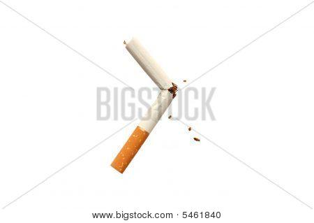 Brechen eine Zigarette. Nicht rauchen!
