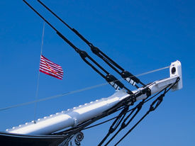 picture of uss constitution  - The bow of the U - JPG
