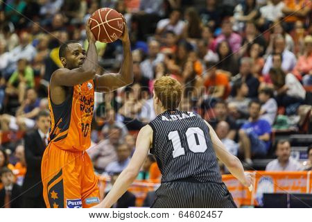 VALENCIA - MAY, 3: Lafayette with ball during a Spanish league match between Valencia Basket Club and Bilbao at the Fonteta Stadium on May 3, 2014 in Valencia, Spain