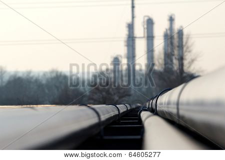Steel Long Pipes Go To Oil Refinery
