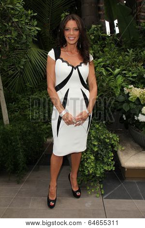 LOS ANGELES - MAY 7:  Carlton Gebbia at the Associates for Breast and Prostate Cancer Studies Mothers Day Luncheon at Four Seasons Hotel on May 7, 2014 in Beverly Hills, CA