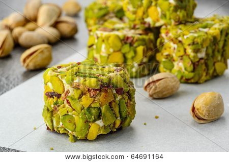 pistachio turkish delight dessert