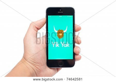 IPhone 5S with Yik Yak app